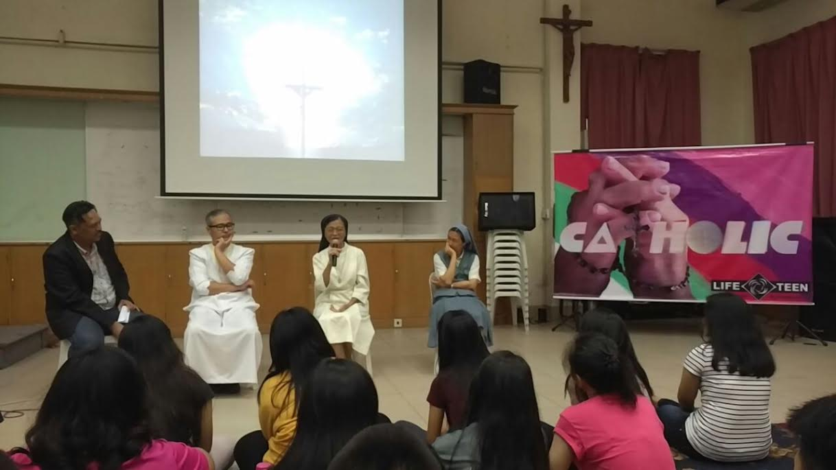 Franciscan Sister Cecilia shares her story with the teens.