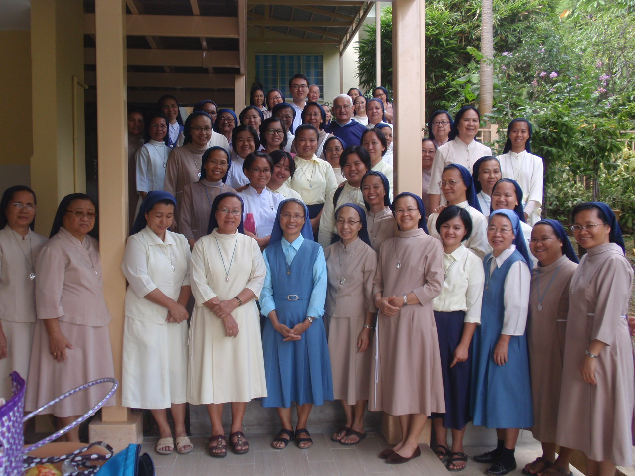 Religious pose with Fr Faure during the break at Loreto Convent Jan 14.