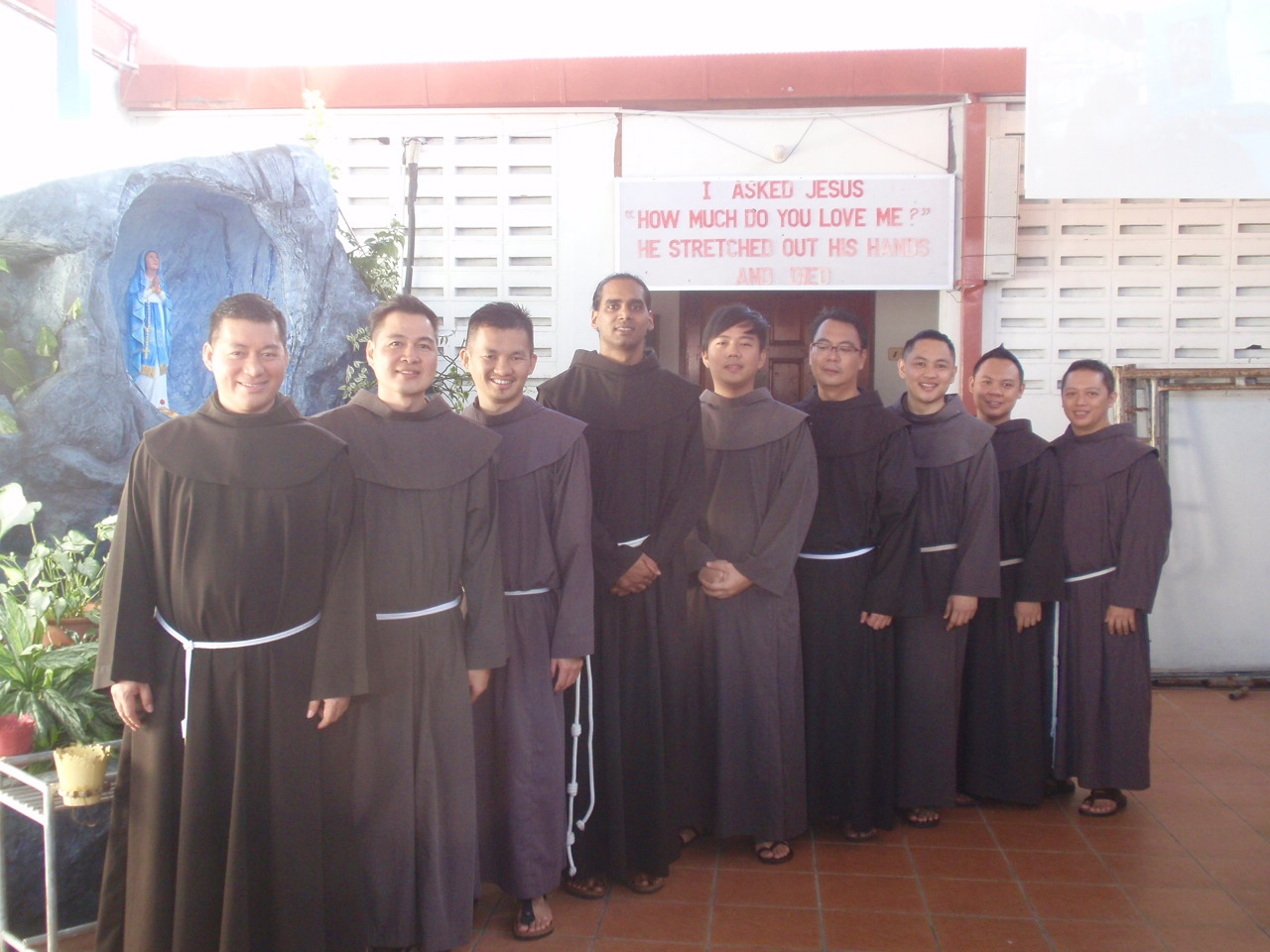 The Sabahan friars (in various stages of formation) pose for the camera.