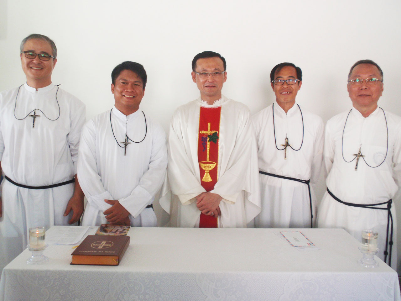 L-R Br Tony Choi, Br Demosthenes (local superior), Abp Wong, Br Robert Teoh (provincial), Br Thomas Chin pose for remembrance after the Mass.
